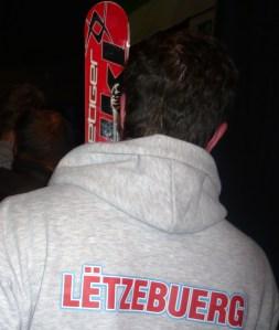 Der Luxemburger lässt sein Material prüfen. Quelle: Pistenblogger